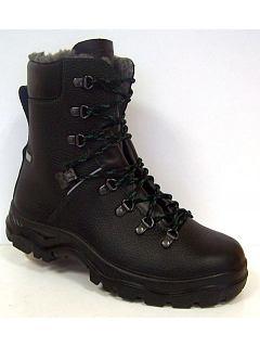 Poloholeňová zimní obuv S3