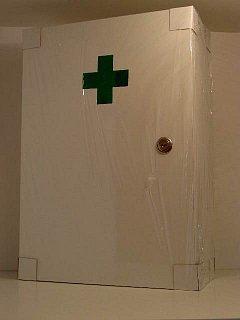 Lékárnička dřevěná nástěnná